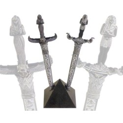 Daggers Ramses II and Cleopatra, on pyramid (35cm)