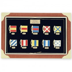 Frame showcase with nautic signal flags