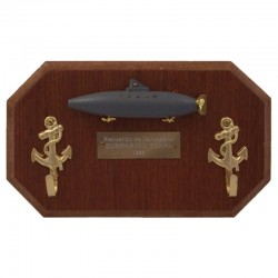 Keyhanger with Peral submarine on wall board
