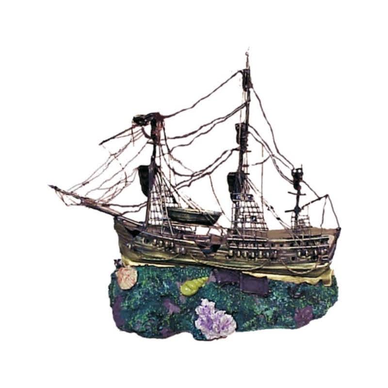 Sailboat shipwreck model17x17x7cm