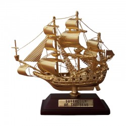 """Sailboat """"Sovereing of the seas"""" of gilded brass 10x8x4cm"""