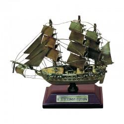 "Velero ""USS Constitution"" de latón viejo 10x8x4cm"