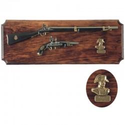 Mini rifle y pistola Napoleón, en metopa