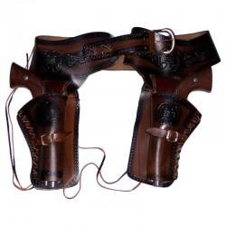 Canana doble con 2 revólveres y 24 balas