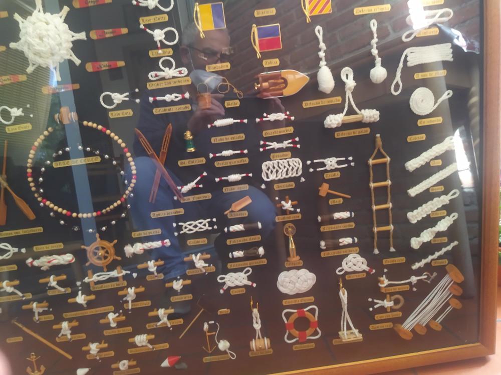 Knots board detail